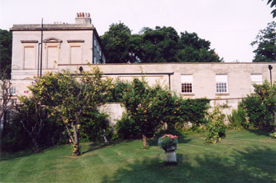 Kennet House grounds